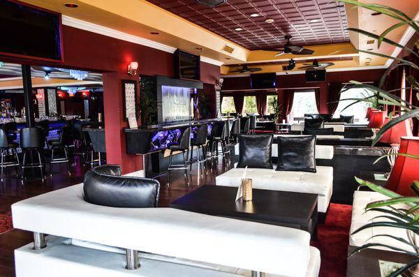 Escape Lounge & Sports Bar