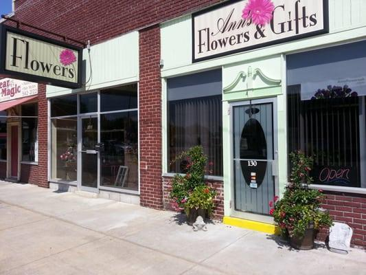 Ann's Flowers & Gifts
