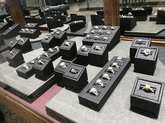Van's Custom Jewelers