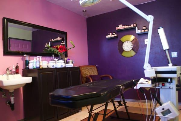Ingrid Gina: The Waxing Queen Of Tucson