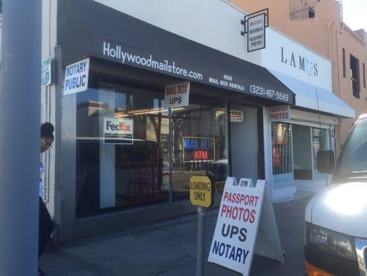 Hollywood Mail & Message Service