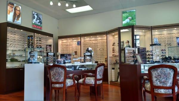 F.Y.Eye Optometry Center - Dr Sol. Regwan OD