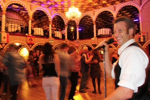 San Diego Swing Dancing with 2PlySwing Productions