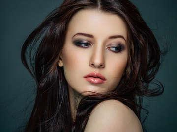 Glow Hair & Make-Up