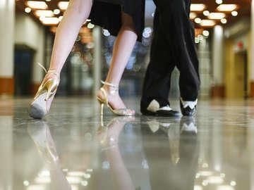 iDanceAcademy (Club Dance Lessons)