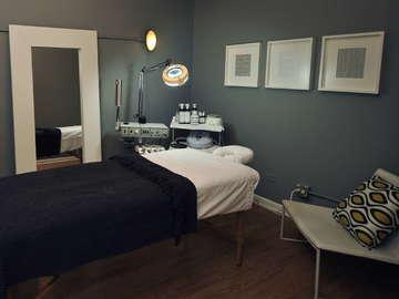 Aria Salon