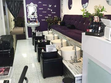 ONE13 Luxury Nails & Foot Massage