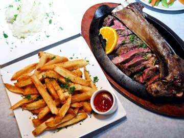 Talia's Steakhouse & Bar