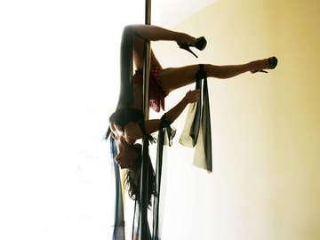 Divine Movement Pole Dancing