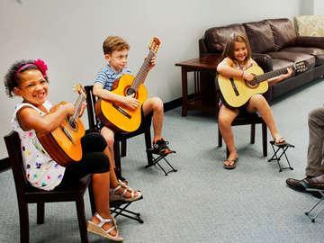Lyons Guitar & String Lesson Studio
