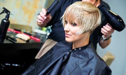 Michelle at En Vogue Salon and Spa