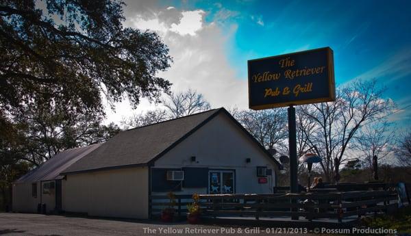 The Yellow Retriever Pub & Grill