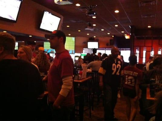 Primetime Sports Bar & Grill