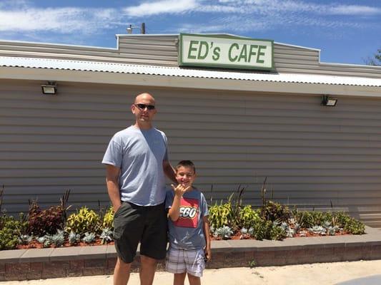 Ed's Cafe