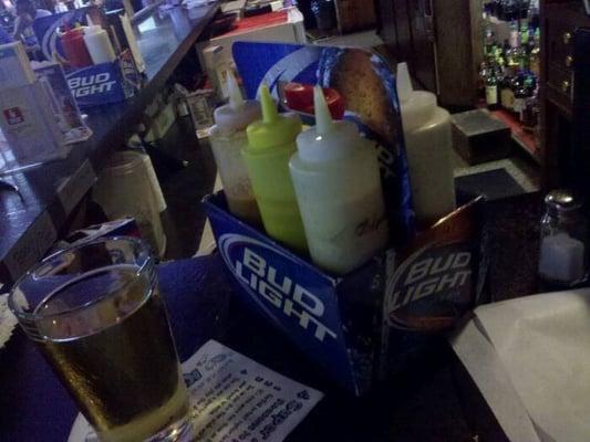 Vics Bar & Grill