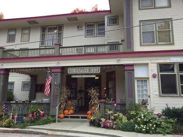 1911 Restaurant at the Terrace Inn