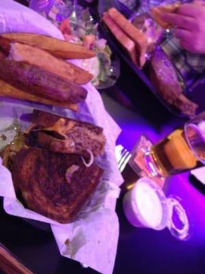 Sportspage Bowl Grill & Lounge