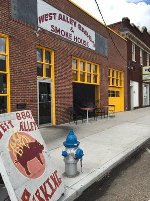 West Alley BBQ & Smoke House