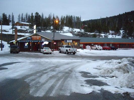 Brown Derby Bar & Inn