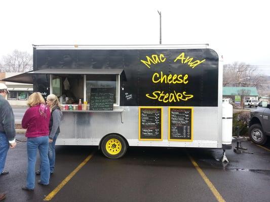 Mac and Cheese Steaks
