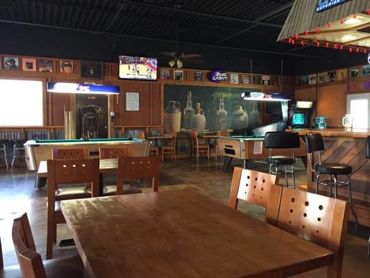 Crossroad Bar & Grill