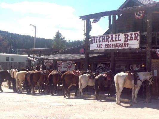 Hitchrail Bar
