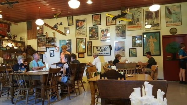Crane's Pie Pantry Restaurant & Winery