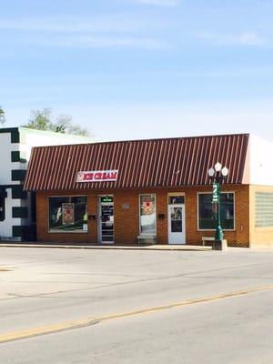 Square Deals Ice Cream Shop