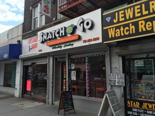 Snatch & Go Internet Cafe & Juice Bar