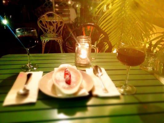 A La Folie Cafe Francais