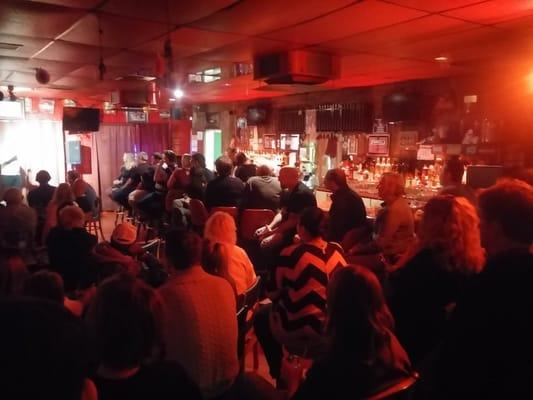 Houston's Bar & Grill