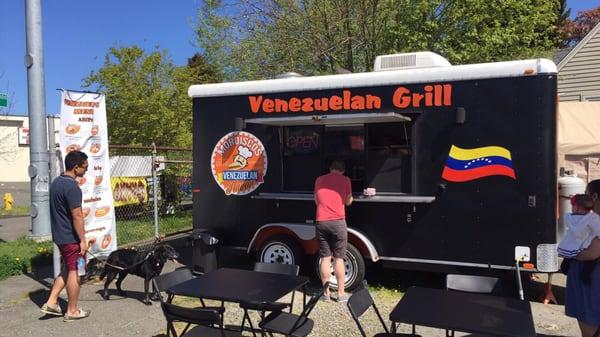 Mordiscos Venezuelan Flavor