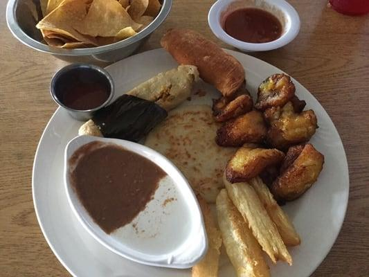 El Migueleno Restaurant