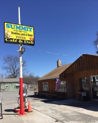 Summit Country Grill and General Store