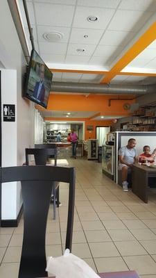 Beatesub Market & Restaurant