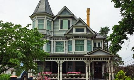 Holmes County Historical Society : Victorian House and Millersburg Glass Museum