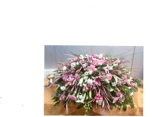 Flowers By La Fleur Shoppe Inc
