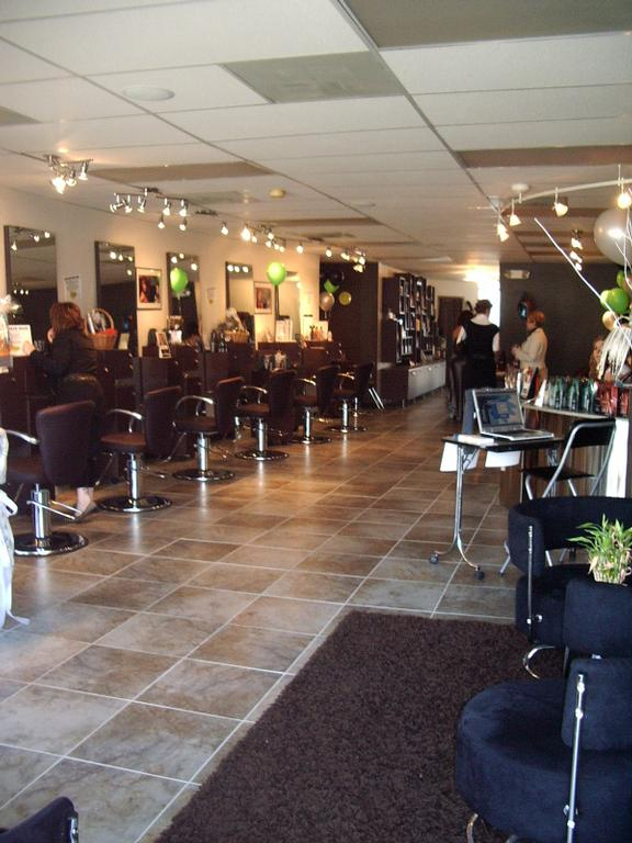 Roots Hair Lounge