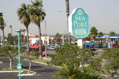 SeaPort Marina Hotel
