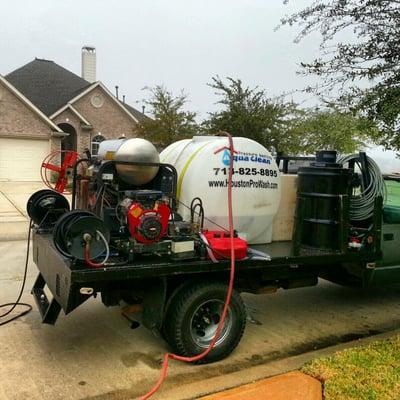 Aqua Clean Pressure Washing & Staining