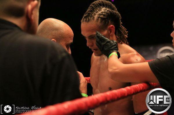 Hard Knocks Muay Thai
