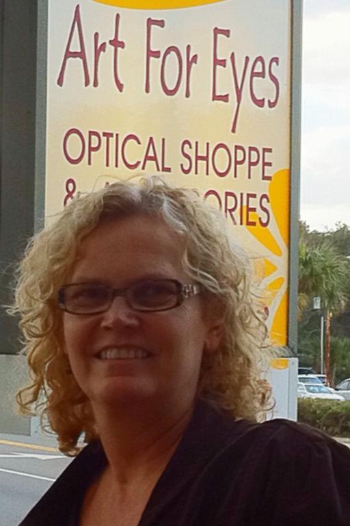 For Eyes Optical