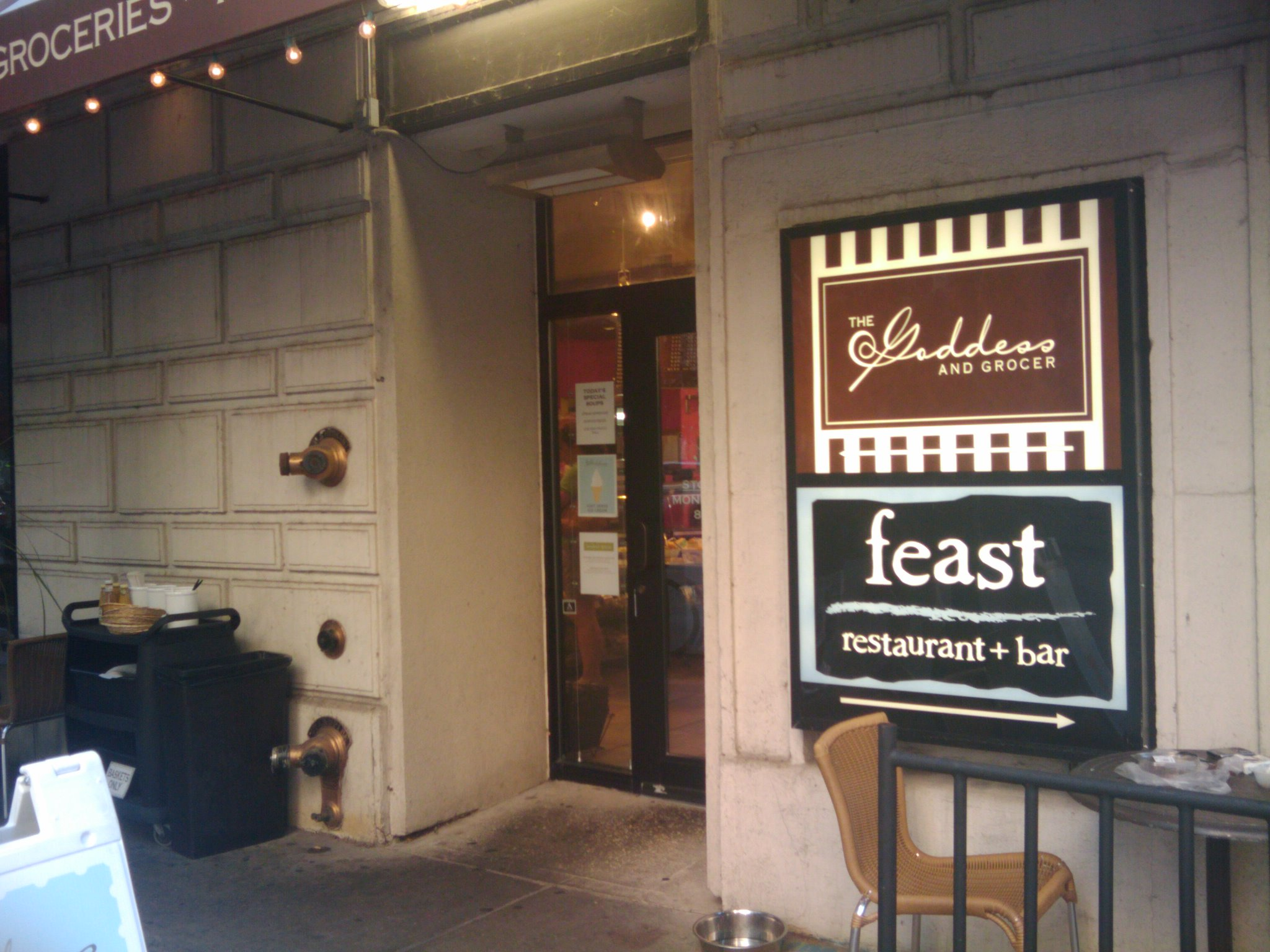 Feast Restaurant and Bar