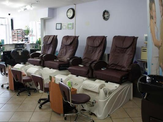Holly's Beauty Salon