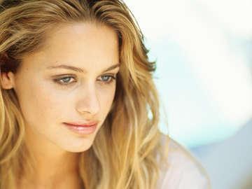 Katie Yorn Beauty Studio 19
