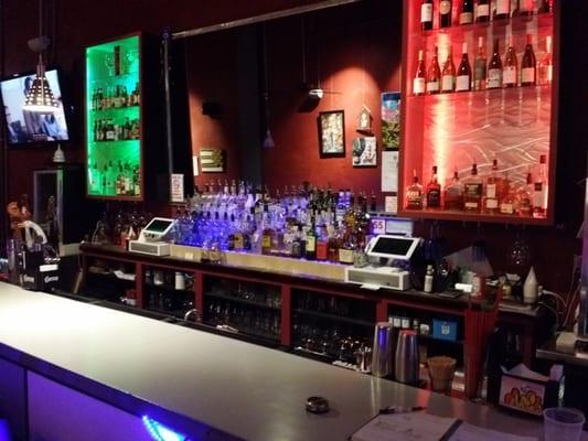 Bar@548