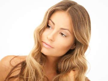 Sarah at Tanglez Hair Salon