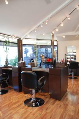 "Divat Salon- Moved to downtown Manhattan Bch to ""The Loft Salon"""