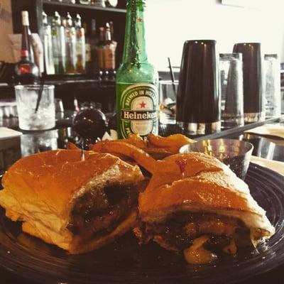 Mimi's Bar & Grill