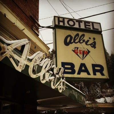 Albi's Gem Bar